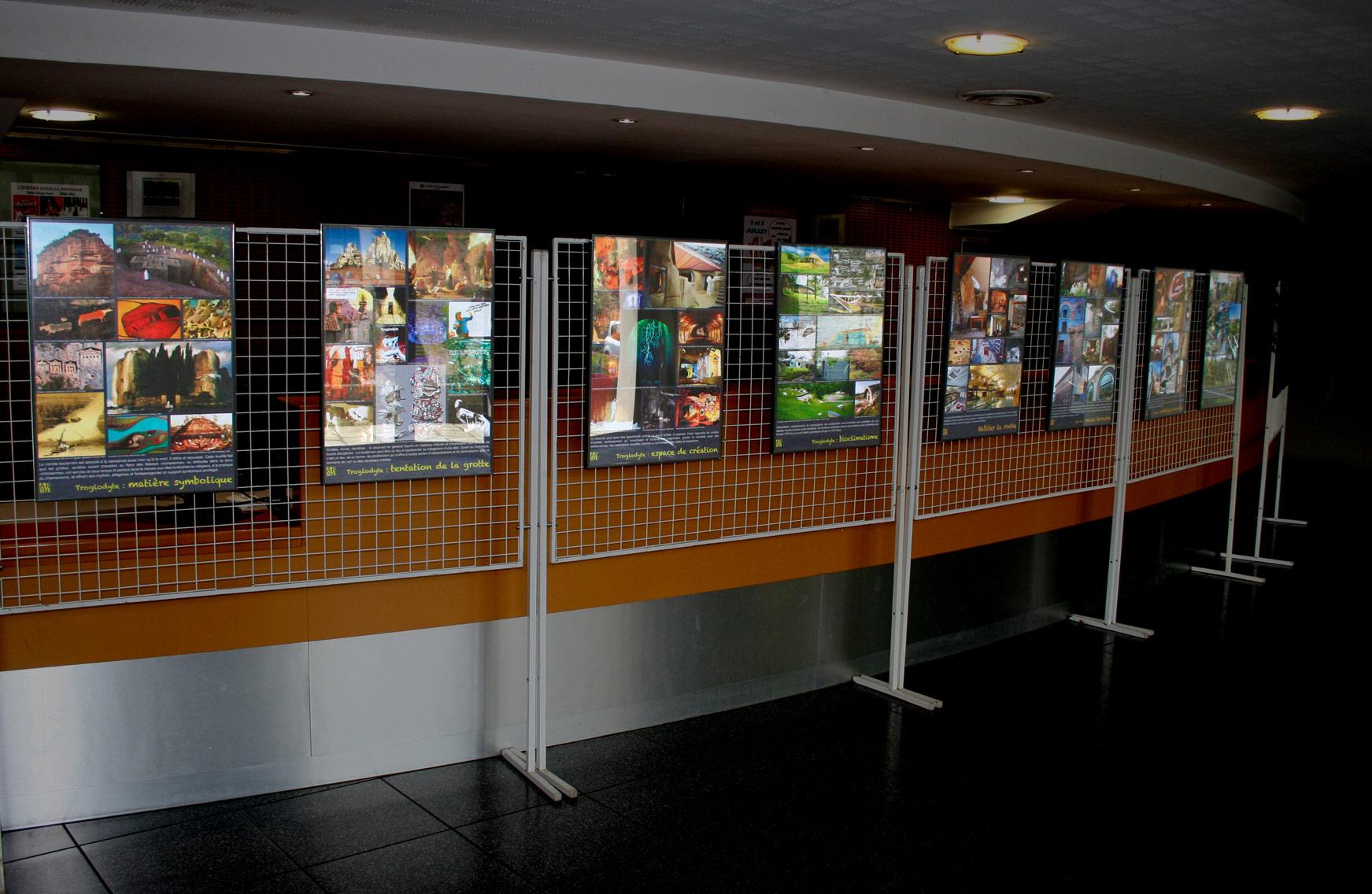 Les panneaux d'exposition